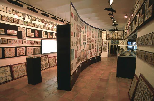 Museo del azulejo manolo safont recorrido por la for Ceramica buenos aires